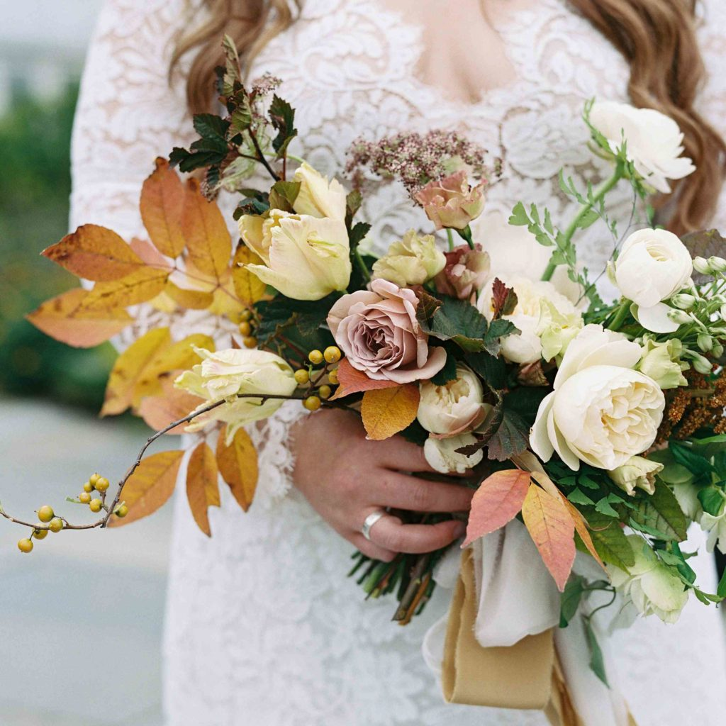 Wedding Flowers Autumn: Things To Know Before Planning A Fall Wedding